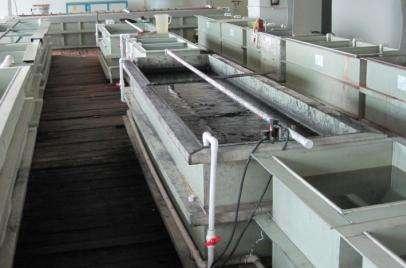 铝表面阳极氧化时溶液温度与其他因素的影响